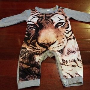 Other - Botique Tiger Outfit unisex